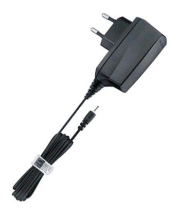 Сетевое зарядное устройство NOKIA AC-8E,  2мм,  черный