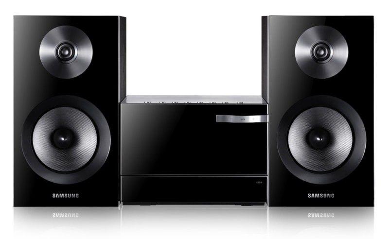 Музыкальный центр SAMSUNG MM-E330D,  черный [mm-e330d/ru]