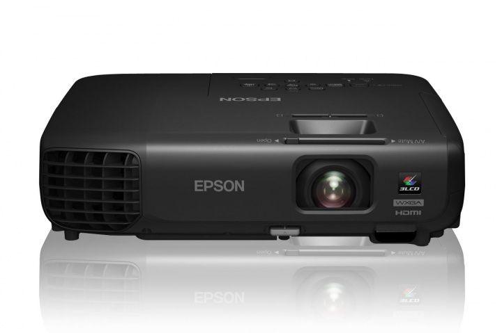 Проектор EPSON EB-W03 черный [v11h554140]